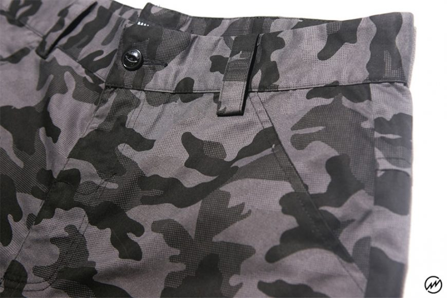 Mania 16 SS Pocket Short (9)