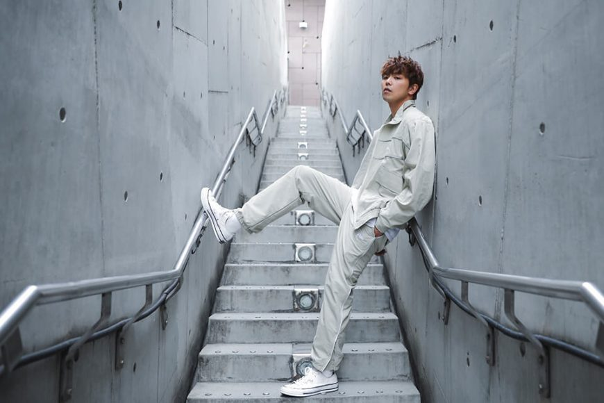AES 55(六)發售 18 SS 3M Reflective Water Resisant Track Pants (2)
