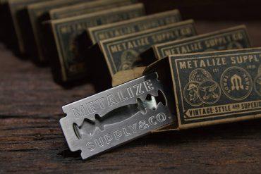 METALIZE 17 SS 不鏽鋼復古刮鬍刀片鈔票夾 (1)