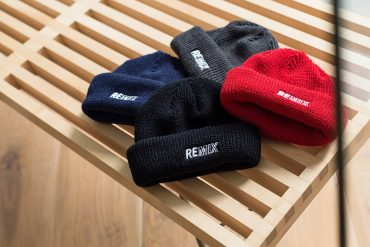 REMIX 17 AW Two Sides Short Beanie (1)